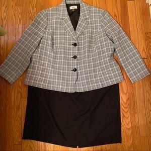 Le Suit 2-piece Suit